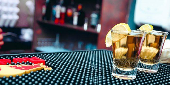 addiction-alcoholic-beverages-bar-858466